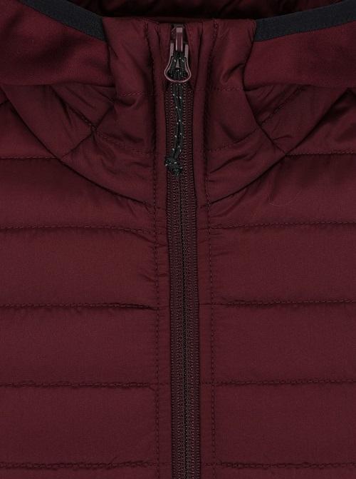 Jachetă.jpeg 2