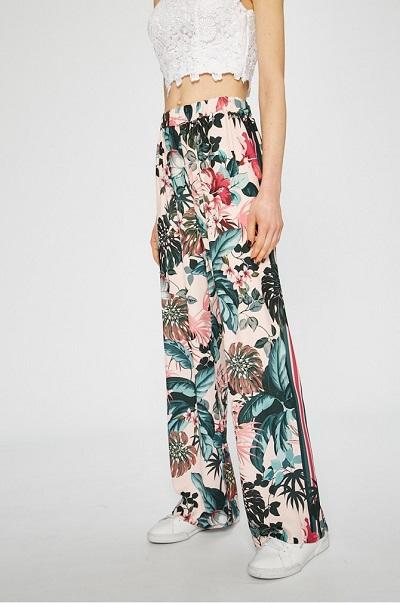 reducere guantitate limitată pantofi de sport Pantaloni damă de vară cu talie înaltă și imprimeu floral, Guess Jeans |  Coton.ro