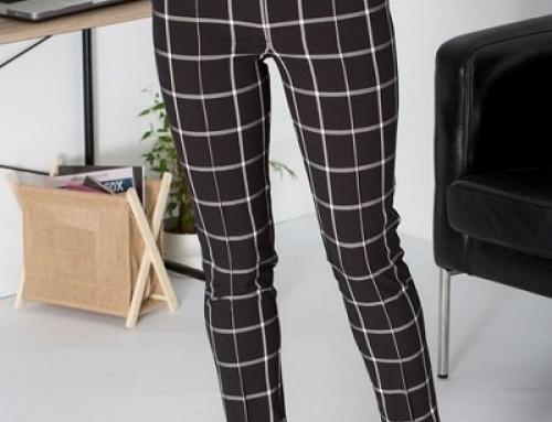 Pantaloni damă office LaDonna conici cu imprimeu în carouri, negri