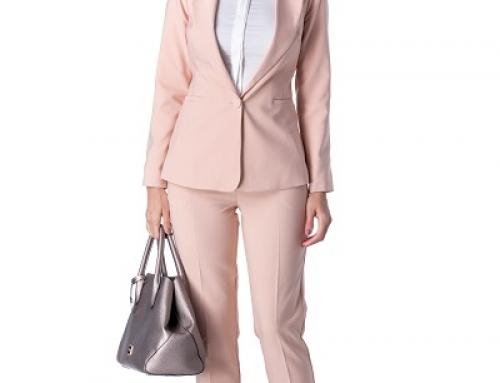 Sacou de damă office roz căptușit și cu umerii buretați Briss Trixie