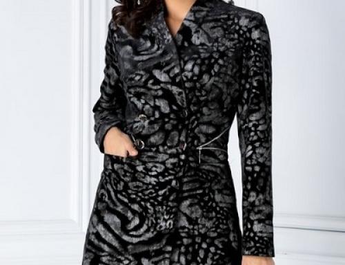 Pardesiu damă elegant negru cu motiv floral jacard, revere în V, Carmella