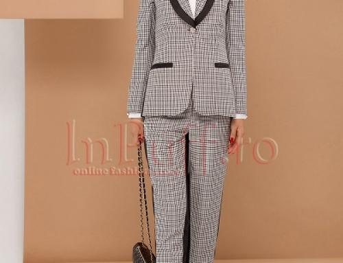 Costum damă office Pretty Girl Greta cu pantaloni conici și în carouri