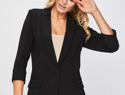 Sacou de damă Guess Jeans Birgit negru drept și cu umerii căptușiți