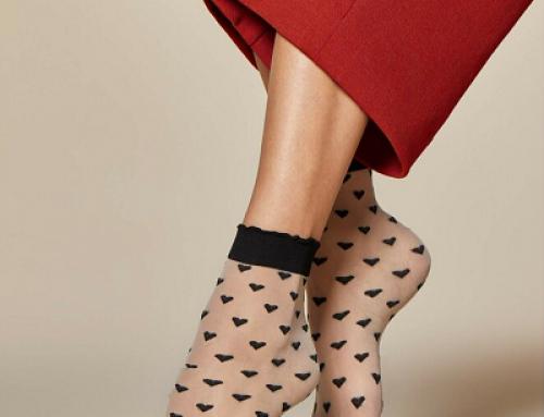 Șosete de damă scurte Fiore Jeunet NVCW6 transparente cu imprimeu inimioare, negre