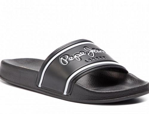 Papuci de plajă bărbați Pepe Jeans Holden DJWL negri cu talpă plată, cu Logo