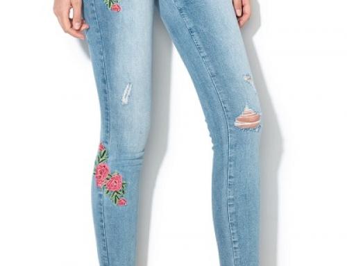 Blugi Only VEFQ Monroe de damă Skinny cu broderie florală și aspect decolorat