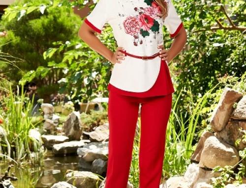 Costum elegant Sydnee K-67LQ de damă cu bluză și pantaloni, roșu cu imprimeu