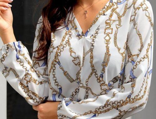Bluză de damă Athena YG8N albă lejeră cu imprimeu decorativ și decolteu în V