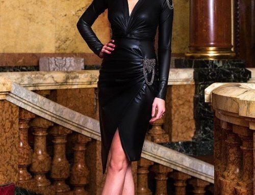 Fustă elegantă Kara HDQ4U PrettyGirl din piele ecologică petrecută neagră cu lanț metalic