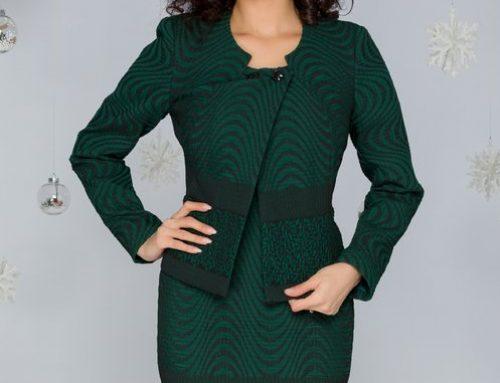 Costum de damă Madison DQA4U Adela office cu rochie cambrată și sacou, din brocart verde