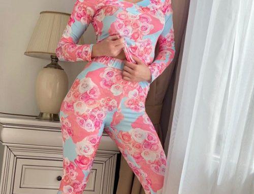 Pijama roz Alyssa GH4Q de damă cu imprimeu floral, decolteu în v și pantaloni lungi