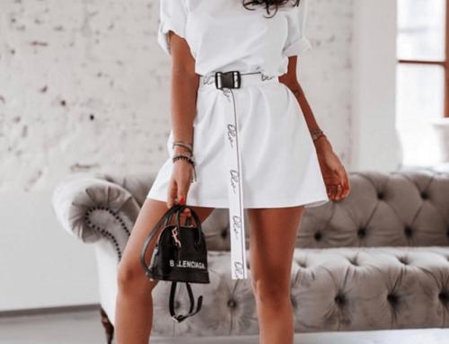 Adelaide DNQ5U, rochie sport scurtă albă din bumbac cu mâneci scurte și curea în talie