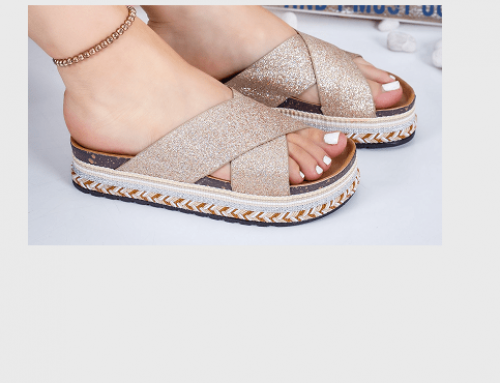 Papuci cu talpă goasă Olivinne TFD5N de damă casual de stradă, aurii, cu aplicații strălucitoare, Marata