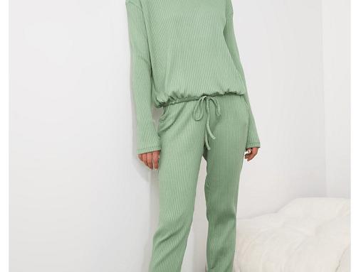 Trendyol F/LB5SeQ, pijama de damă lejeră verde cu bluză și pantaloni lungi, cu aspect striat și șnur în talie