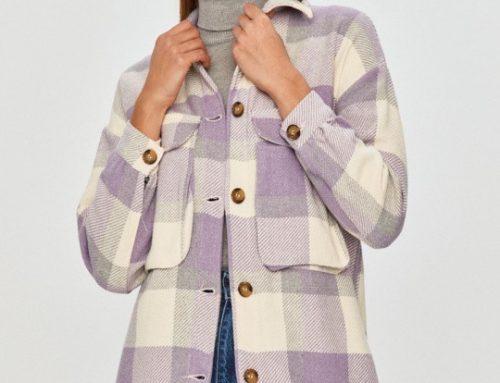 Cămașă de damă GyF4TDL Answear casual din bumbac gros, cu imprimeu în carouri, aspect lejer și buzunar la piept, roz