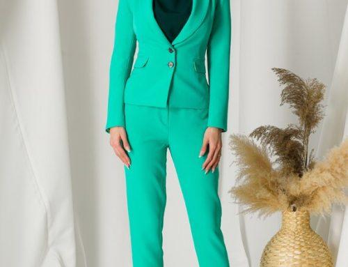 Compleu office Moze turcoaz pentru femei cu sacou cambrat cu rever adânc și pantaloni cu talie înaltă
