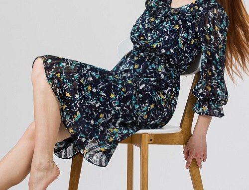 Rochie TYE52BQ Sense din voal subțire bleumarin cu imprimeu floral și mâneci ample