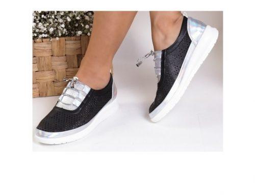 Pantofi sport de damă Tera negri cu talpă plată și perforații, din piele ecologică