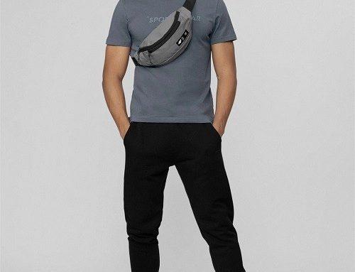 Pantaloni sport 4F pentru bărbați negri din bumbac cu buzunare și terminație elastică