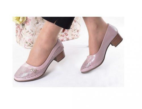Stiana LDS2LQ, pantofi de damă office roz cu toc masiv, vârf rotund și accesoriu fluture