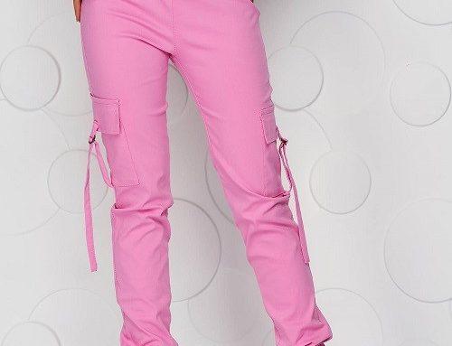 Pantaloni SunShine de damă subțiri roz cu talie normală, elastică și cu buzunare laterale