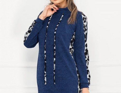 Pulover lung DKVYNG Moze de damă tricotat albastru cu guler înalt, buzunare și animal print